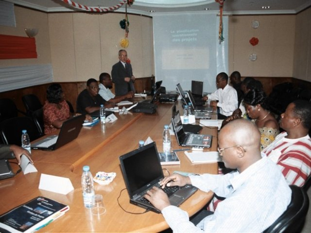 Cotonou 2009 : formation MDS en planification de projets assistée par ordinateurs.